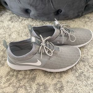 Nike Running Shoes Gray 7.5